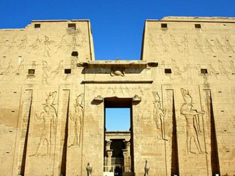 edfu-pylon-of-the-temple-of-horus
