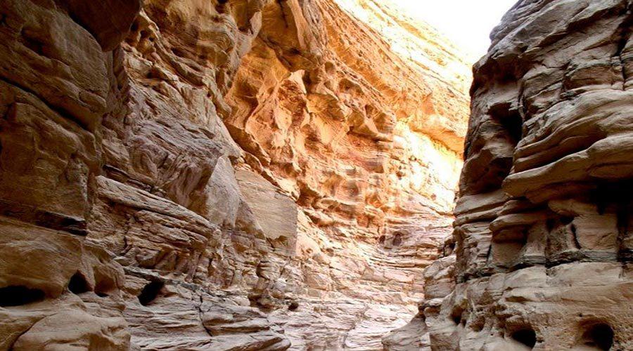narrow-canyons-nuweiba